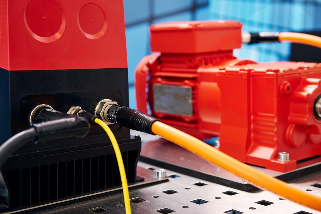 Rundsteckverbinder mit Kunststoff- oder Metallgehäuse