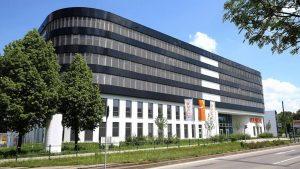 Kuka eröffnet Technologiezentrum