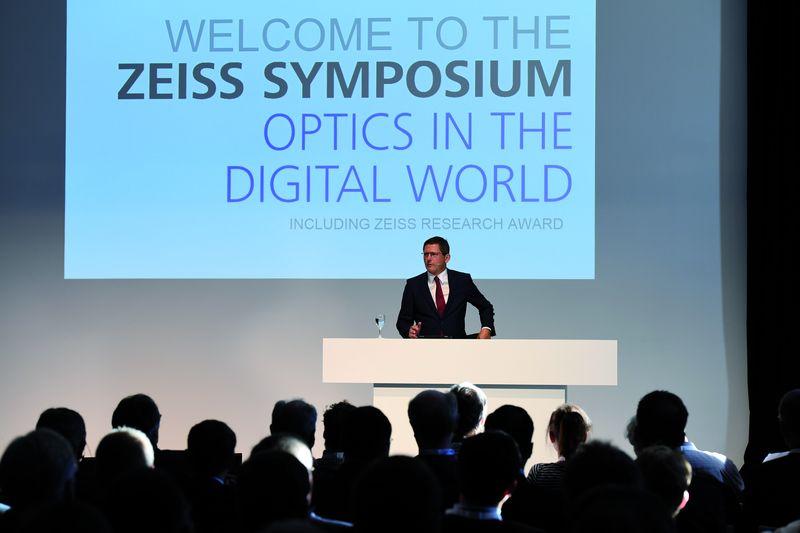 Erfolgreiches Optik-Symposium bei Zeiss