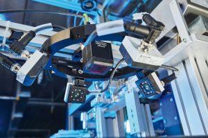 Der Multishot-Beleuchtungsring mit vier Flächenlichtern ist als fertig montiertes Zubehörteil für die Visor-Vision-Sensoren erhältlich. (Bild: SensoPart Industriesensorik GmbH)