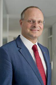 """""""Eine große Herausforderung ist das stärkere Zusammenwachsen von IBV und SPS."""" - Dr. Olaf Munkelt, MVTec Software"""