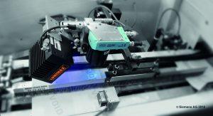 Applikation zur Erfassung und Kontrolle von UV-lesbarer Sicherheitstinte auf Reisepässen. (Bild: Siemens AG)
