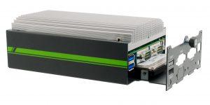 Der l?fterlose Box-PC Golub 3845 bietet maximal bis zu 8GB DDR3 und wiegt 1,1kg. (Bild: Aprotech GmbH)