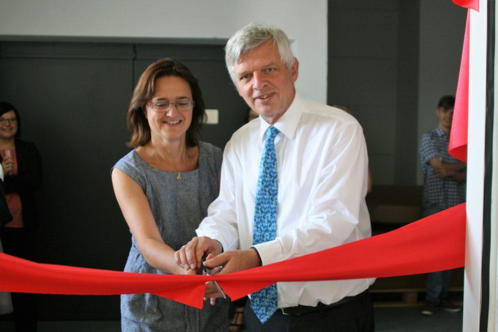 Tichawa eröffnet neue Fertigungshalle