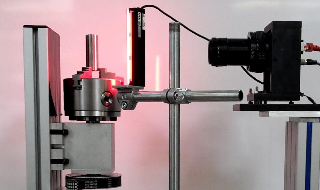 Inline-Oberflächenprüfung von zylindrischen Schleifteilen