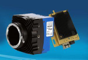 Dank einer Fiber Extender Einheit können zukünftig CoaXPress Video- und Kontrollsignale bis zu 80km über eine Singlemode-Glasfaser bzw. über 400m über eine Multimode-Faser übertragen werden. (Bild: Mikrotron GmbH)
