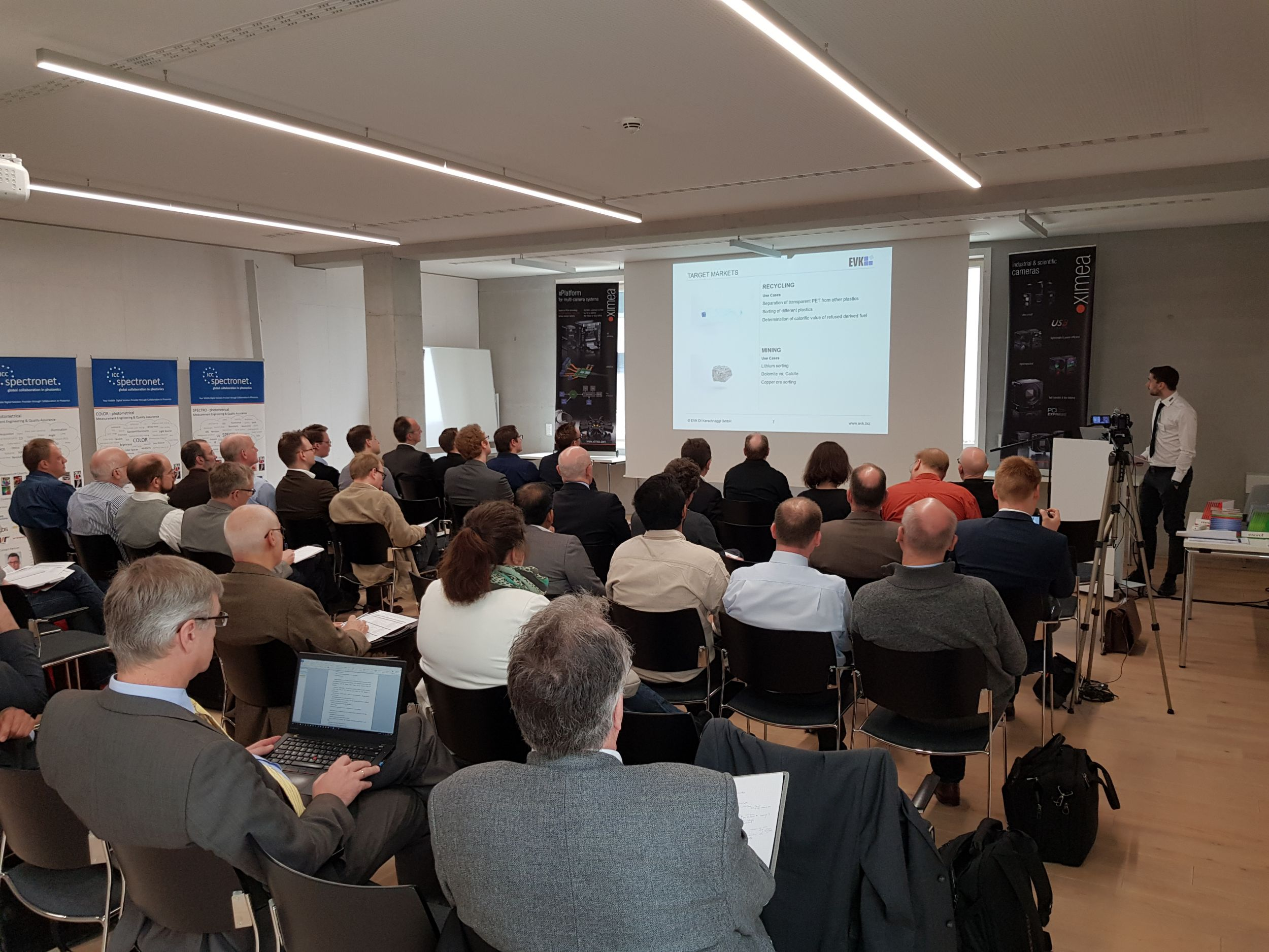 Informatives SpectroNet Forum bei Ximea