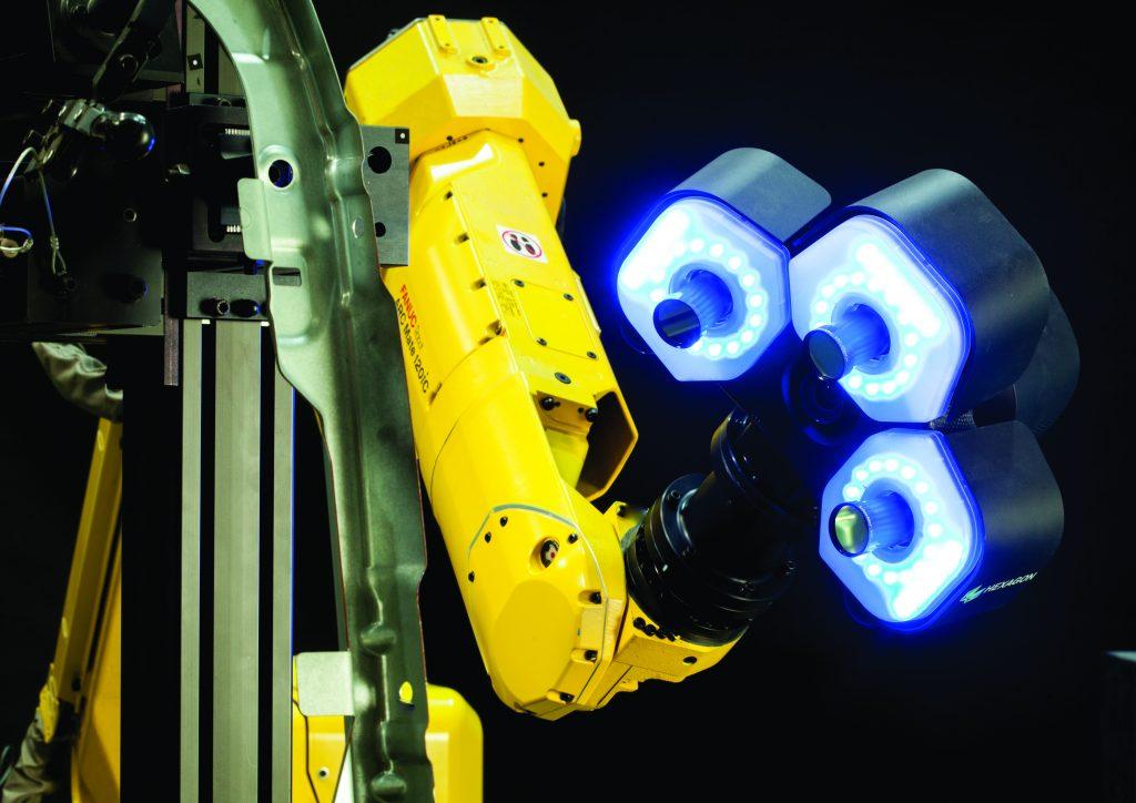 Um Hochgeschwindigkeitsmessungen in den Fertigungsablauf zu integrieren, ist der 3D-Sensor qFlash-A auch für kleinere Fertigungsbetriebe eine interessante Alternative. (Bild: Hexagon Metrology GmbH)
