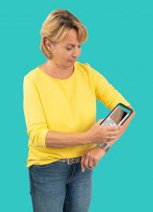 Ein mit einer Handykamera erstelltes wird von der App SkinScreener durch eine KI analysiert und ermöglicht eine Aussage über ein mögliches Hautkrebsrisiko. (Bild: Medaia GmbH)