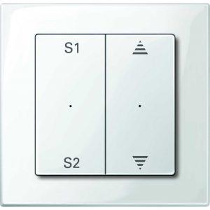 Mit dem Haussteuerungssystem PlusLink ist es möglich, per Tastendruck unterschiedliche voreingestellte Lichtstimmungen abzurufen. (Bild: Merten GmbH)