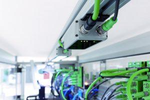 Die Leuchten werden über das PLD-Kommunikationsmodul angesteuert (Bild: Phoenix Contact GmbH & Co. KG)