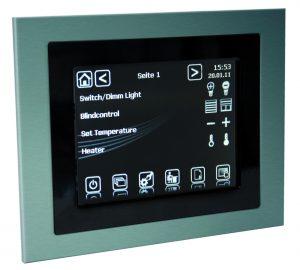 Der KNX Control Touch Panel ist programmierbar über ETS3 und besitzt ein grafikfähiges TFT-Farbdisplay 320x240 Pixel mit LED-Hintergrundbeleuchtung. (Bild: B.E.G. Brück Electronic GmbH)