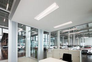 Novaluna LED-Einbauleuchten sorgen für schirmtaugliche Beleuchtung im Verkaufsbereich. (Bild: Siteco Beleuchtungstechnik GmbH)
