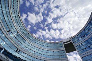 Die Gebäudeautomation des Omega-Haus in Offenbach wurde vor Kurzem von der Siemens-Division Building Technologies auf das System Desigo migriert. (Bild: Siemens AG)