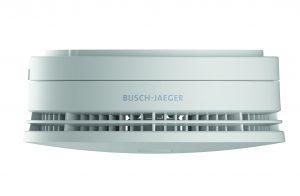 Für ein Höchstmaß an Sicherheit sorgt die neue Generation Busch-Rauchalarm von Busch-Jaeger. Die Rauchmelder sind mit modernster ProfessionalLINE-Technologie ausgestattet. (Bild: Busch-Jaeger Elektro GmbH)