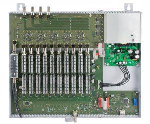 Die Polytron Einkabellösung funktioniert als Sat-ZF-Kanal-Umsetzer, der die selektive Aufbereitung der Transponder von mehreren Satelliten ermöglicht. Dabei wird jeder gewünschte Transponder in ein frei wählbares Frequenzraster im Sat-ZF-Bereich zwischen 11.550 und 12.750 MHz umgesetzt. (Bild: Polytron-Vertrieb GmbH)