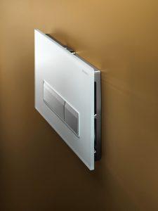 Immer beliebter in Bad und Gäste-WC wird die Geberit Geruchsabsaugung mit Betätigungsplatte Sigma40. Auch dieses System benötigt einen elektrotechnischen Anschluss. (Bild: Geberit Vertriebs GmbH)