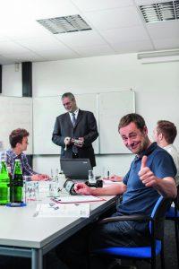 Schulung im TTC von Monacor International (Bild: Monacor International GmbH)