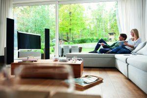 Im intelligenten Zuhause sind selbst Multimediakomponenten übersichtlich in die Technikzentrale integriert. Auch diese Möglichkeiten werden im Rahmen der neuen Initiative der Hager Vertriebsgesellschaft verständlich aufbereitet und unterstützen den Elektr (Bild: Hager Vertriebsgesellschaft mbH & Co. KG)