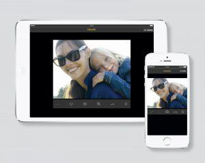 Für die neuesten Generationen von iPad und iPhone: Die Siedle App für In-Home. Die Videoer lassen sich, wie die gesamte App, wahlweise im Hoch- oder im Querformat darstellen. (Bild: S. Siedle & Söhne)