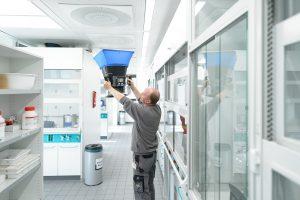 Auch die Volumenstrommessung mithilfe einer Messhaube gehört zu den Aufgaben der Wisag-Experten. (Bilder: Wisag Industrie Service Holding GmbH)