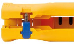 Das neue Locator-System von Jokari stattet die Entmanteler Allrounder und Uni-Plus mit einem Kraft- und Höhenbegrenzer aus. Der Klingenabstand wird durch den Locator auf die Wanddicke in einem Größenbereich von 4,0 bis 11,9mm Durchmesser eingestellt.Der Längenanschlag wird durch den Locator ausgetauscht. (Bilder: Jokari Krampe GmbH)
