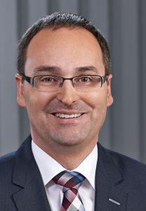 Theben gibt Ausscheiden des Vorstands  Dr. Andreas Stratmann bekannt