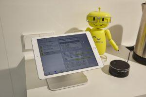 Device-Bot-Maskottchen: Bei Digitalstrom sorgen künftig intelligente Algorithmen für Lernfähigkeit und individuelle Anpassung von Haushalts- und anderen Geräten. (Bild: Digitalstrom AG)