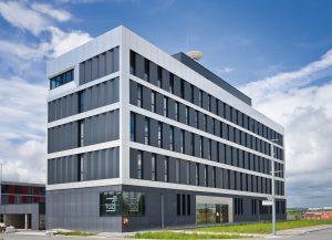 Das neue Technologie- und Gr?nderzentrum W?rzburg (TGZ) bietet technologie-orientierten jungen Unternehmen neben R?umen auch Service, Beratung und Netzwerke. (Bild: ?Frank Freihofer/Regiolux GmbH)