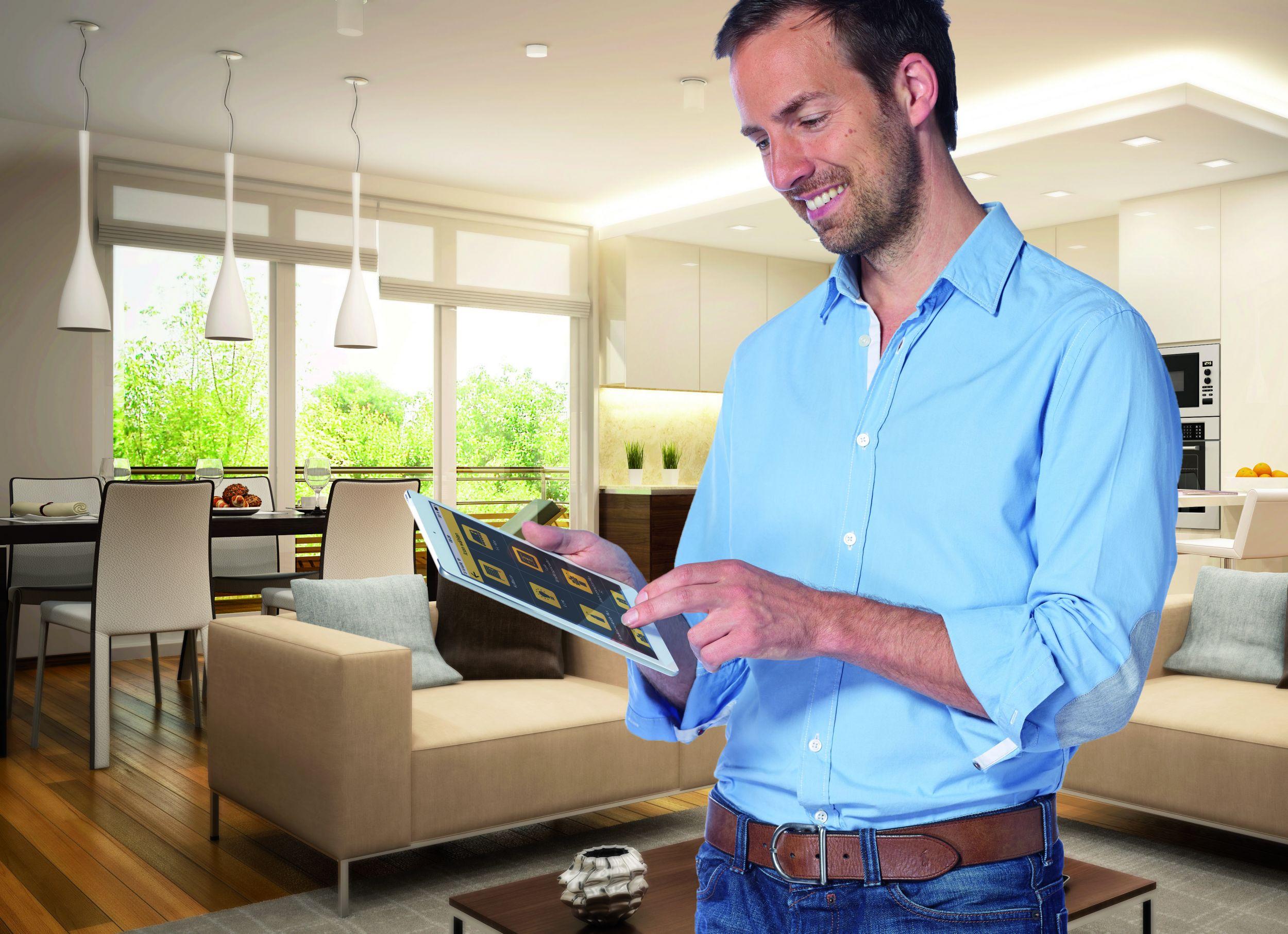 licht per app und fernbedienung steuern geb udedigital. Black Bedroom Furniture Sets. Home Design Ideas