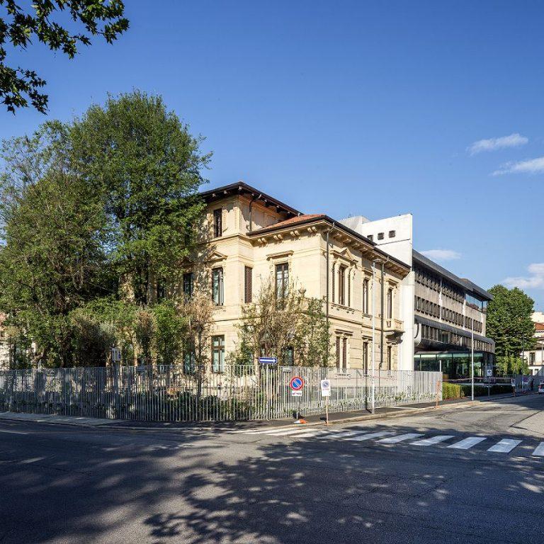 Bürogebäude mit IoT-Technologie