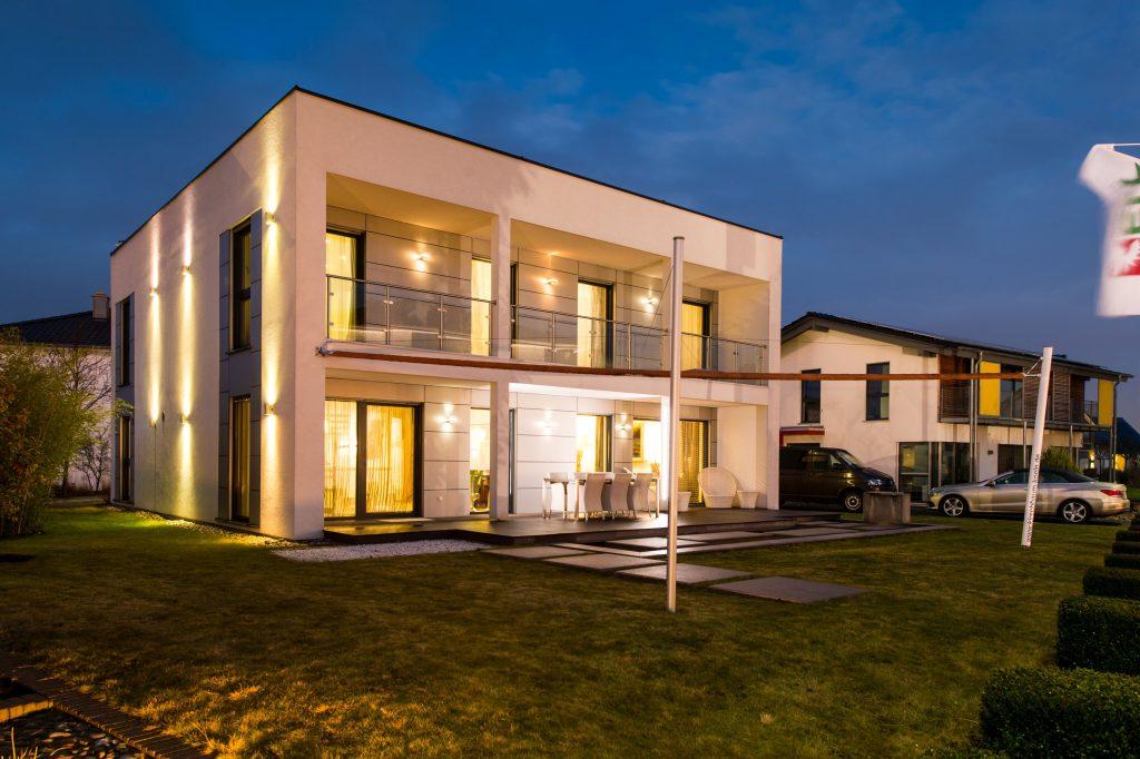 Randvoll mit Technik: Moderne Immobilien bieten zwar jede Menge Wohnkomfort, setzen ihre Bewohner und deren Lebensgewohnheiten aber oft unbemerkt auf den digitalen Präsentierteller. (Bild: Oliver Tjaden)
