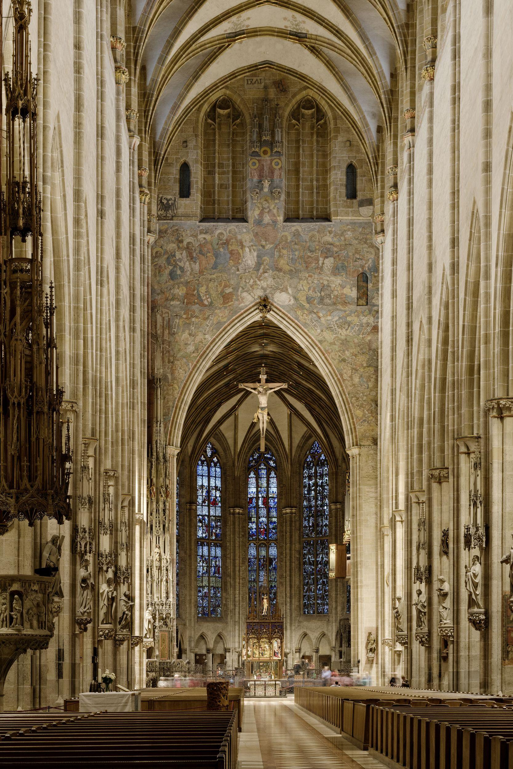 Lichtdurchströmte Gotik