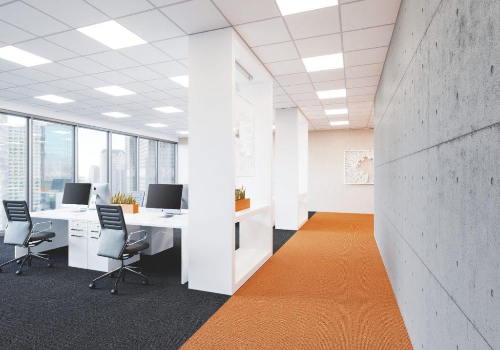 Flächige Lichtquellen und helle Flächen im Raum ermöglichen einen optimalen Mix aus Tages- und Kunstlicht mit hohen indirekten, biologisch wirksamen Anteilen. (Bild: Ledvance GmbH)