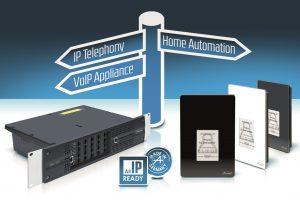 Das Auerswald Türsprechsystem TFS-Dialog 400 bietet verschiedene Funktionen für die Hauskommunikation. (Bild: Auerswald GmbH & Co. KG)