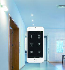 Bluetooth erlaubt eine lokale Vorrangbedienung über Smartphone oder Tablet. Die App ermöglicht den Zugriff auf Messwerte,  Regelgrößen und Systemparameter. (Bild: Sauter)