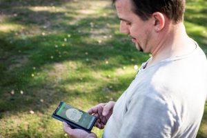 Die Systemkomponenten kommunizieren per Funk. Nur wenige Befugte des ASV Zirndorf haben App-Zugriff auf die Steuerung der Raumtemperaturen in den einzelnen Sportbereichen und können Profile bedarfsgerecht konfigurieren. (Bild: Eberle Controls GmbH)