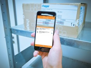 Digitalisierung im Handwerk trägt zu mehr Effizienz im Alltag bei, z.B. durch die unkomplizierte Materialbestellung per Smartphone-App. (Bild: Sonepar Deutschland GmbH)