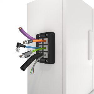 Das einfache Steck-und-Klickprinzip von KDSClick für die Kabeldurchführung (Bild: Conta-Clip Verbindungstechnik GmbH)