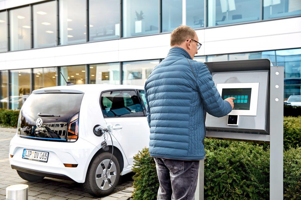 Aufeinander abgestimmte Hard- und Software ist die Voraussetzung für eine effiziente und erweiterbare Ladeinfrastruktur. (Bild: Phoenix Contact Deutschland GmbH)