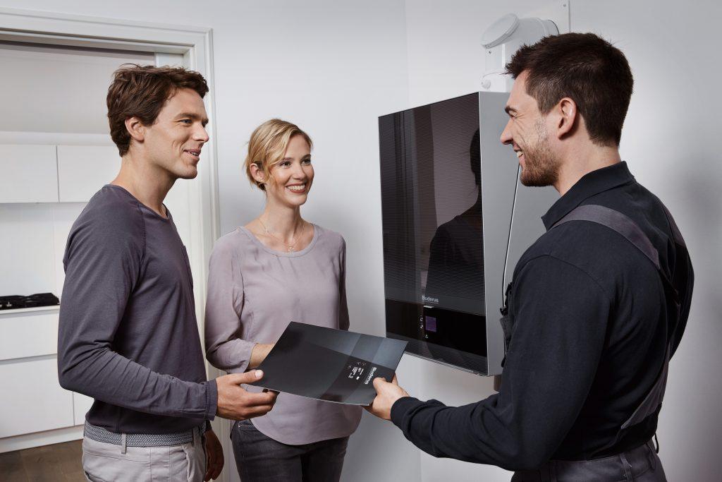 Von einer smarten Heizungssteuerung profitieren sowohl Endkunde als auch Heizungsinstallateur. (Bild: Buderus)