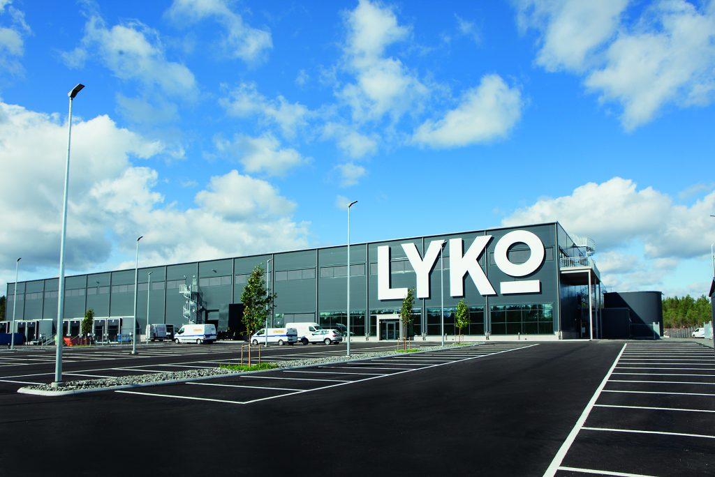 Das neue Logistikzentrum der Lyko Group AB mit hochautomatisiertem Zentrallager in Vansbro, Schweden. (Bild: Mikael Dubois, Stockholm, für Regiolux)