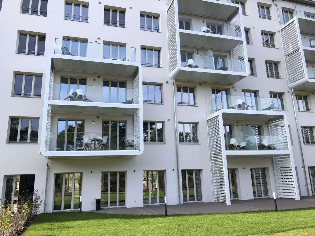 Seit 2019 hat das Mariandl am Meer im denkmalgeschützten Bau in Prora auf Rügen sein Zuhause gefunden - Ein Erholungsdomizil aus 128 Ferienwohnungen mit einzigartigem Konzept. (Bild: Lunos Lüftungstechnik GmbH)