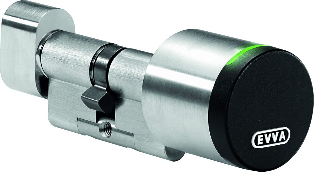 Mit dem AirKey-Schließzylinder können die Zugangsmedien auch ohne separates Lese-/Schreibgerät erstellt werden. (Bild: EVVA Sicherheitstechnologie GmbH)
