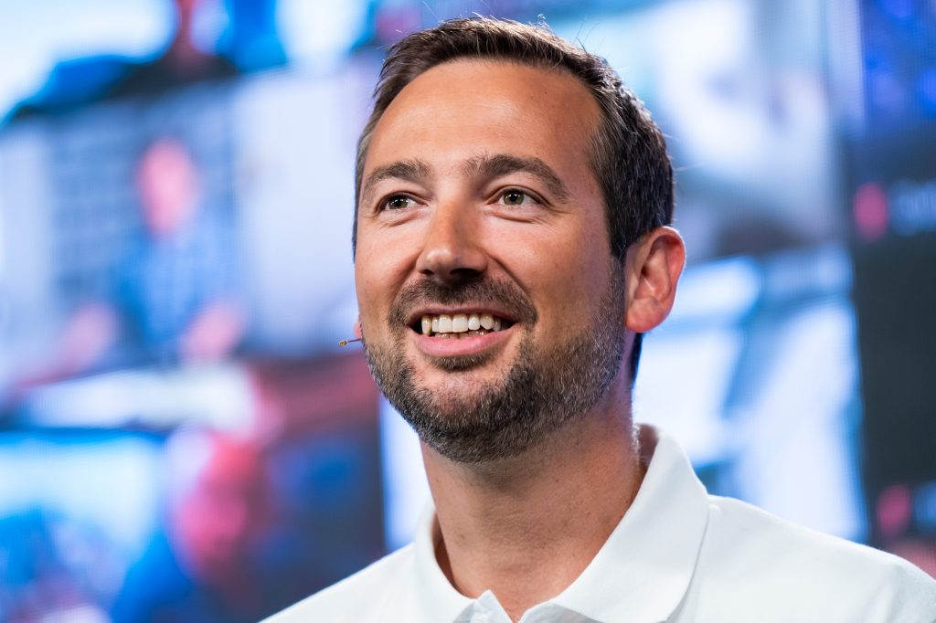 Vertrieb und Marketing wird Dominik Marte geschäftsführend leiten. Er war vor drei Jahren von Hans Grohe zu Gira gewechselte und seitdem sehr als Vertriebsleiter tätig. (Bild: Gira)