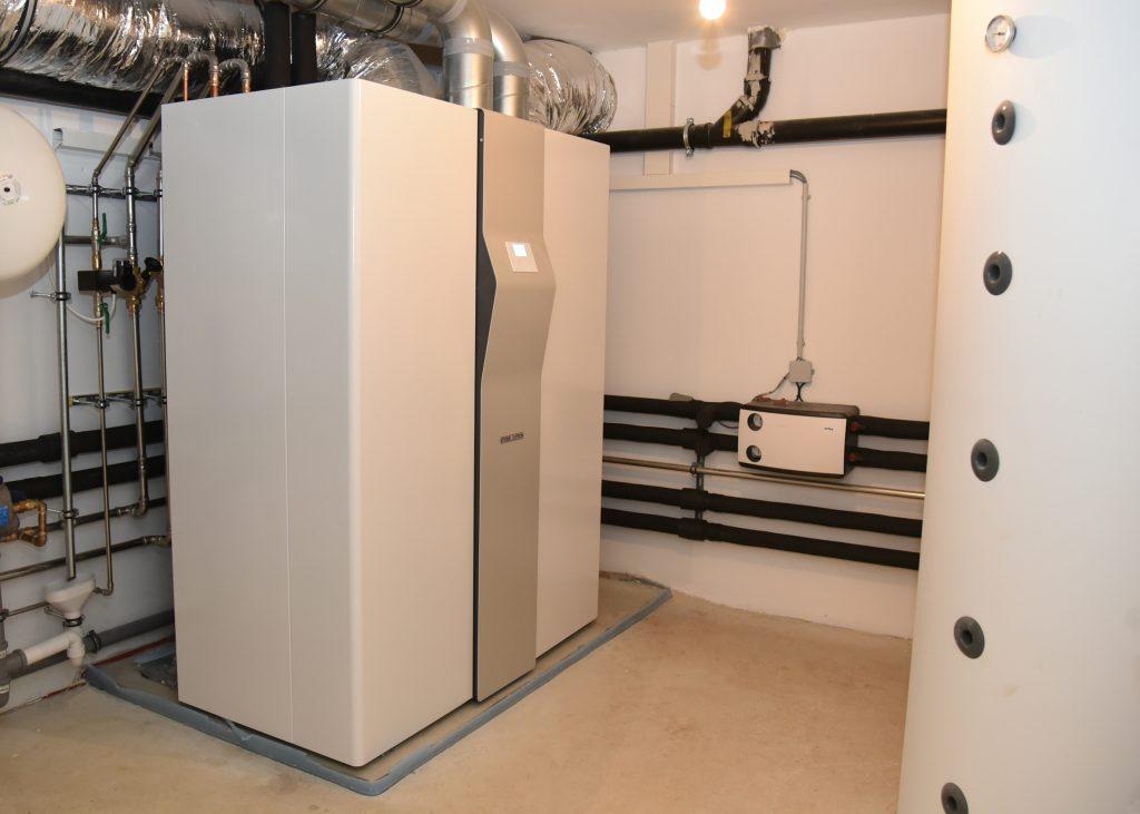Die LWZ 504 übernimmt in jedem Gebäude die Ent- und Belüftung, Beheizung, Warmwasserbereitung und auf Wunsch auch Kühlung. (Bild: Eckart Matthäus für www.asset-gmbh.net / Stiebel Eltron)