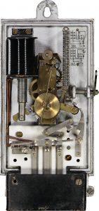 1927: Der elektrische Pendelautomat ELPA schaltet das Licht im Treppenhaus. (Bild: Theben AG)