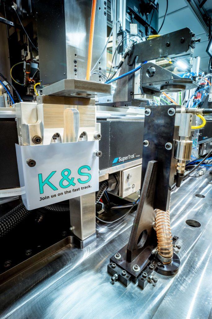 Ob und wie eine Prozessstation angefahren wird, lässt sich bei SuperTrak für jeden Werkstückträger individuell bestimmen.