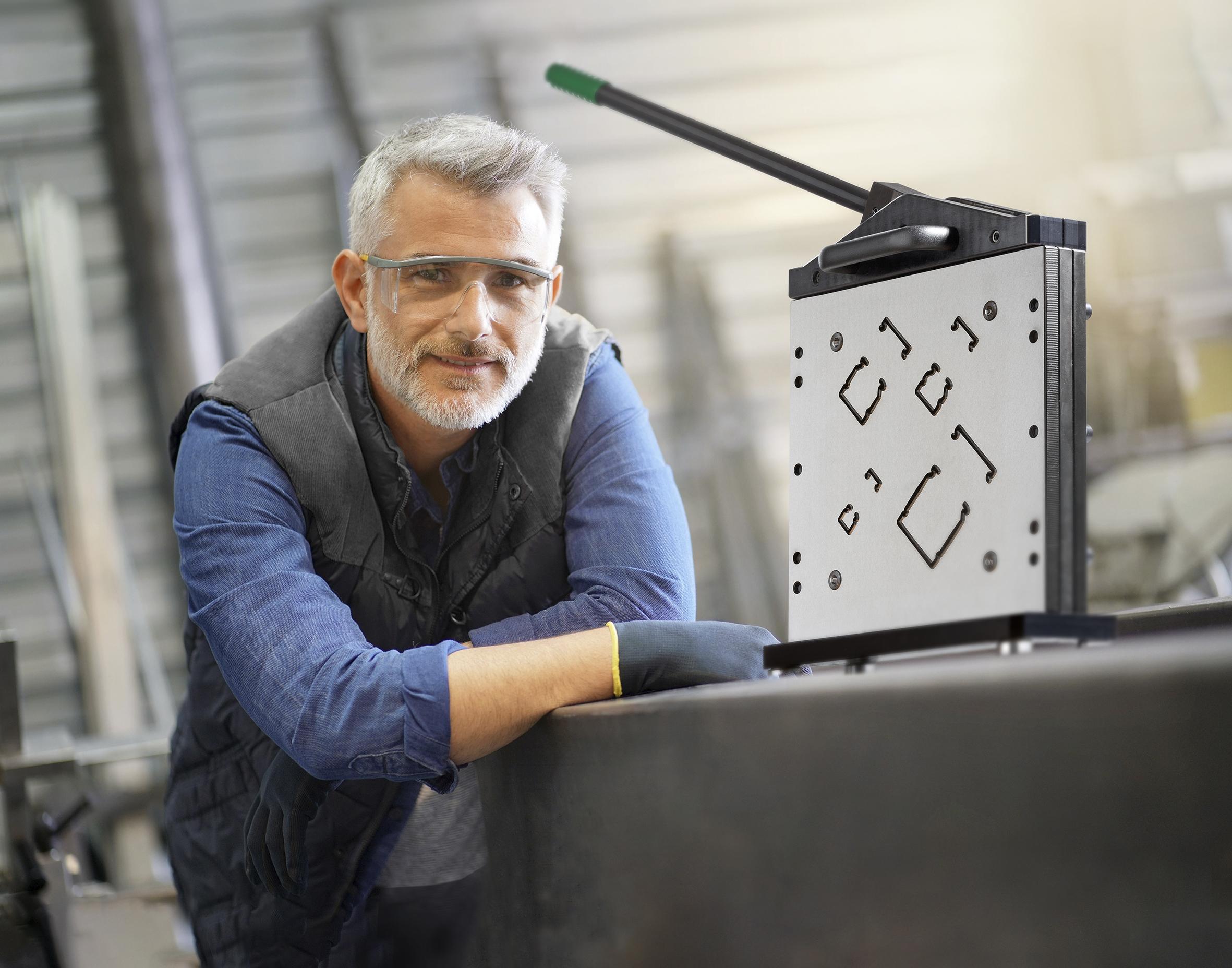 Maschinen für effiziente Kabelkanalbearbeitung