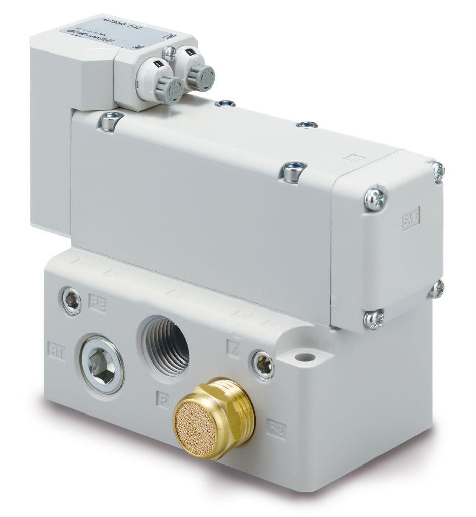Die Impuls-Blasventile der Serie AXTS-X2 von SMC sorgen durch pulsierende Druckluft für effiziente Blasvorgänge und so für eine hohe Reinigungswirkung etwa beim Entfernen von Spänen in Werkzeugmaschinenanwendungen.
